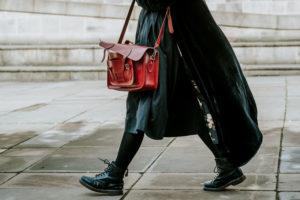 CLIQUEZ ICI pour connaître les avantages d'un tri de garde-robe ou de dressing